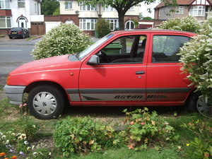1989 Astra needs t l c  good automatic in its day For Sale