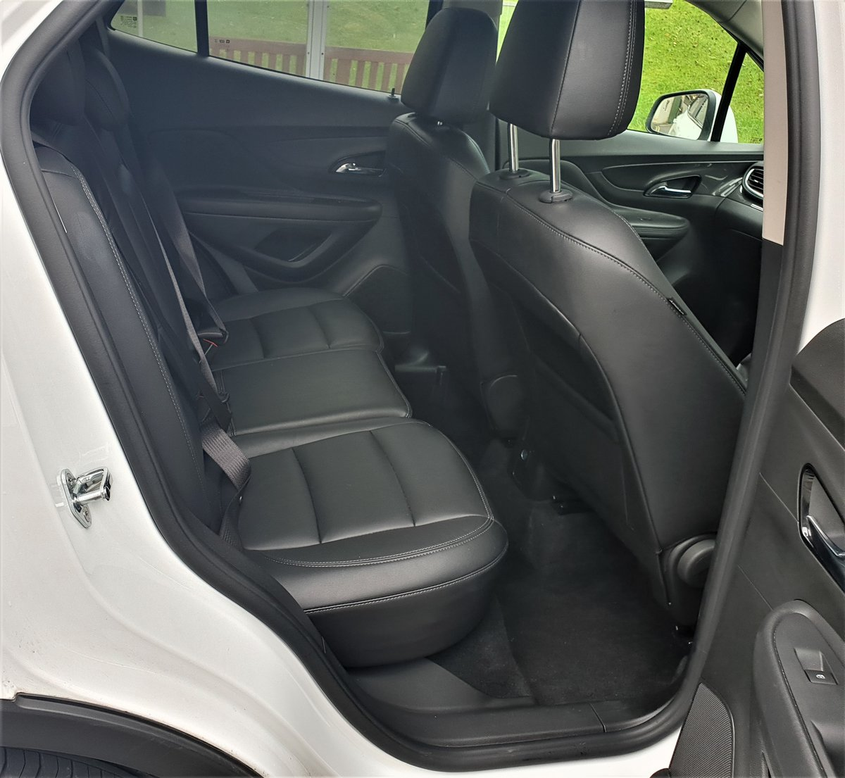 2018 VAUXHALL MOKKA X ELITE 1.4T TOP OF RANGE WITH ALL THE TOYS For Sale (picture 5 of 6)