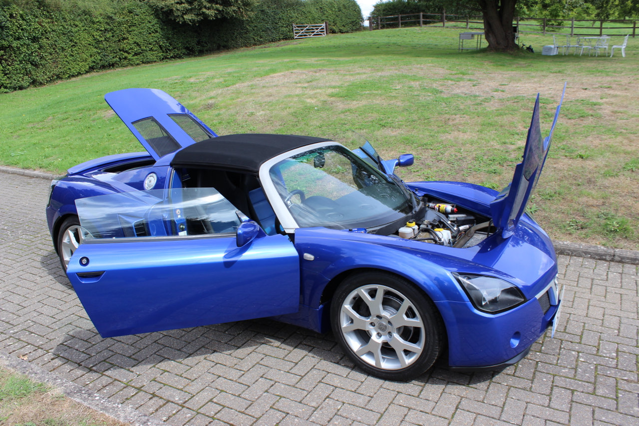 2005 VAUXHALL VX220 TURBO - ONLY 3,965 MILES SOLD (picture 3 of 6)