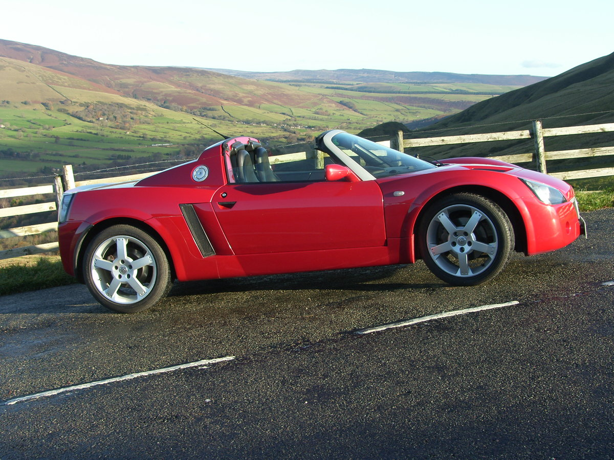 2001 Vauxhall VX220 in excellent original condition SOLD (picture 1 of 6)