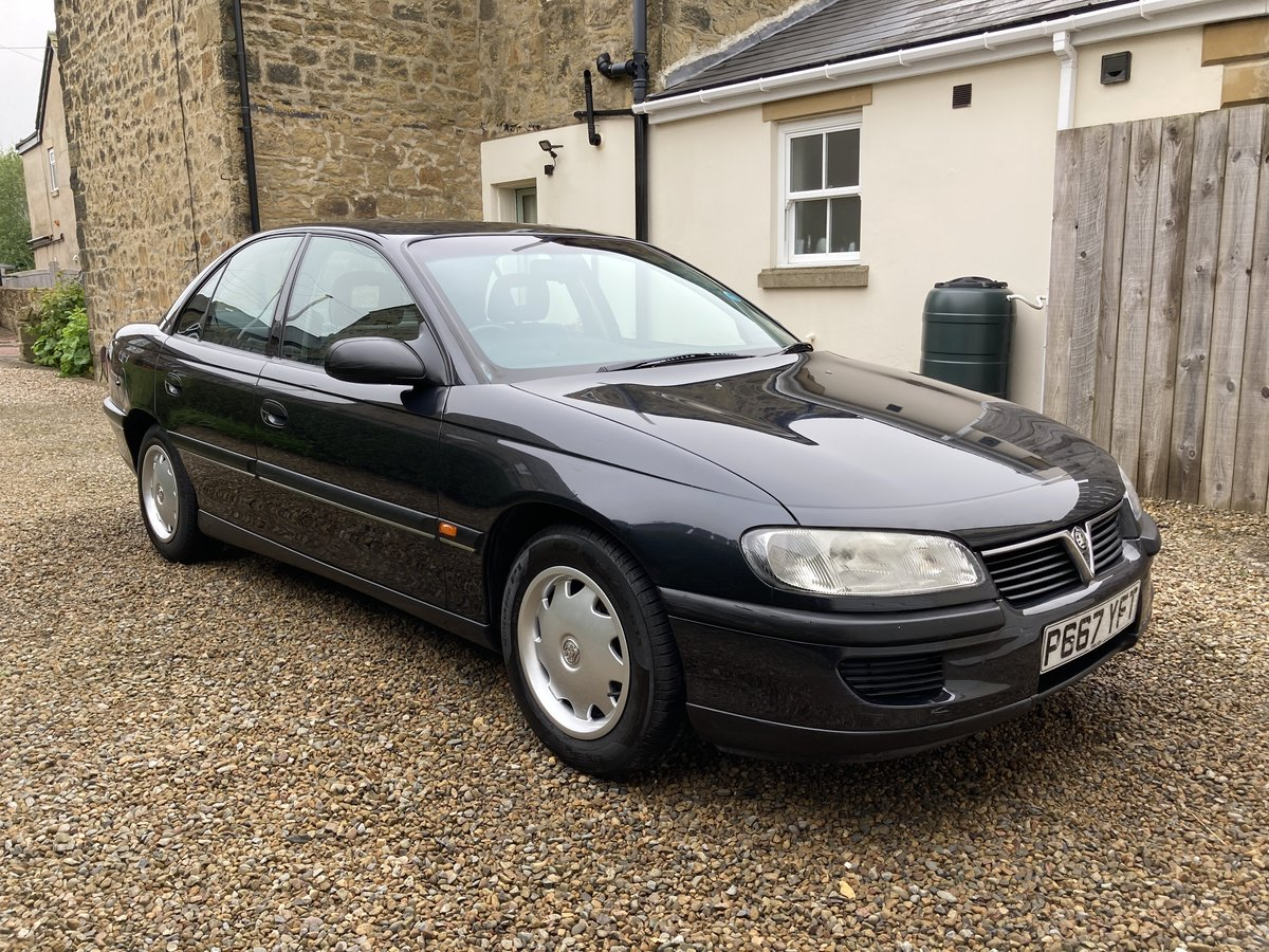 1997 Vauxhall Omega, Only 35K Miles, Rare pre facelift For Sale (picture 1 of 6)