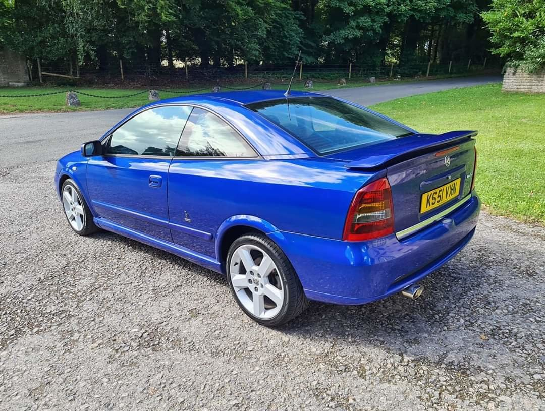 2001 Vauxhall Astra Turbo Coupe For Sale (picture 5 of 6)