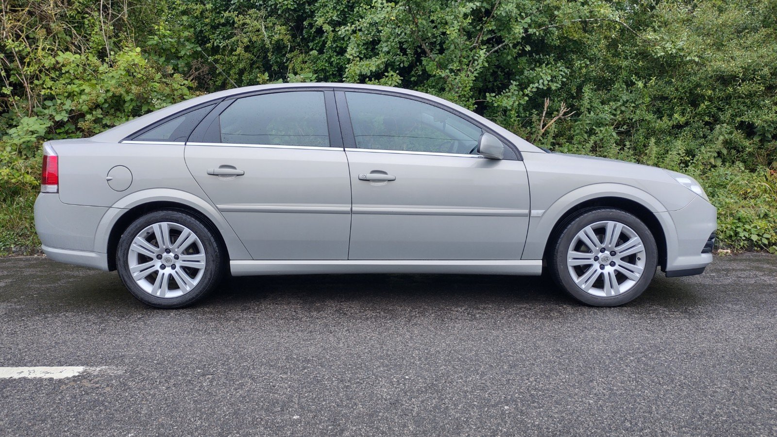 2007 Vectra Exclusive, technician owned, for sale For Sale (picture 1 of 5)