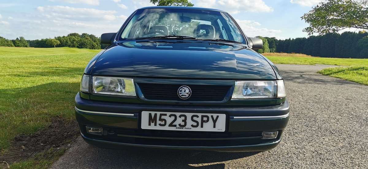 1995 Vauxhall cavalier 1.7 td gls 4dr 52000 miles only For Sale (picture 2 of 6)