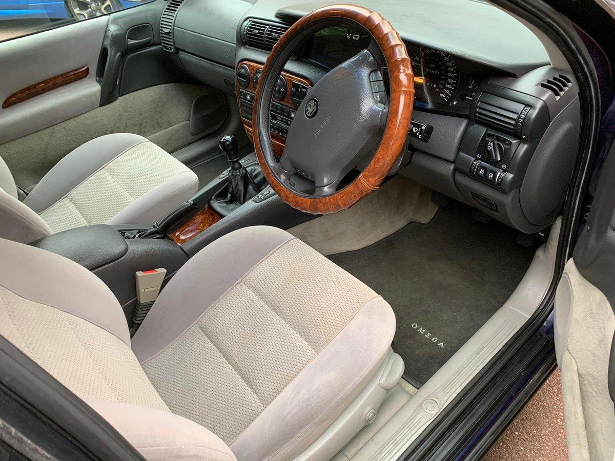1997 Vauxhall Omega Estate CDX 2.5 V6 Manual - MOT 2021 For Sale (picture 2 of 6)