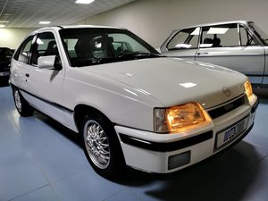 Opel/Vauxall Kadett GSi 16v