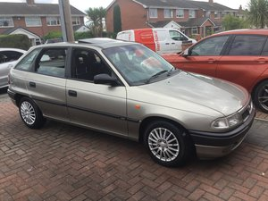Picture of 1996 Vauxhall Astra 2 previous owners usable classic