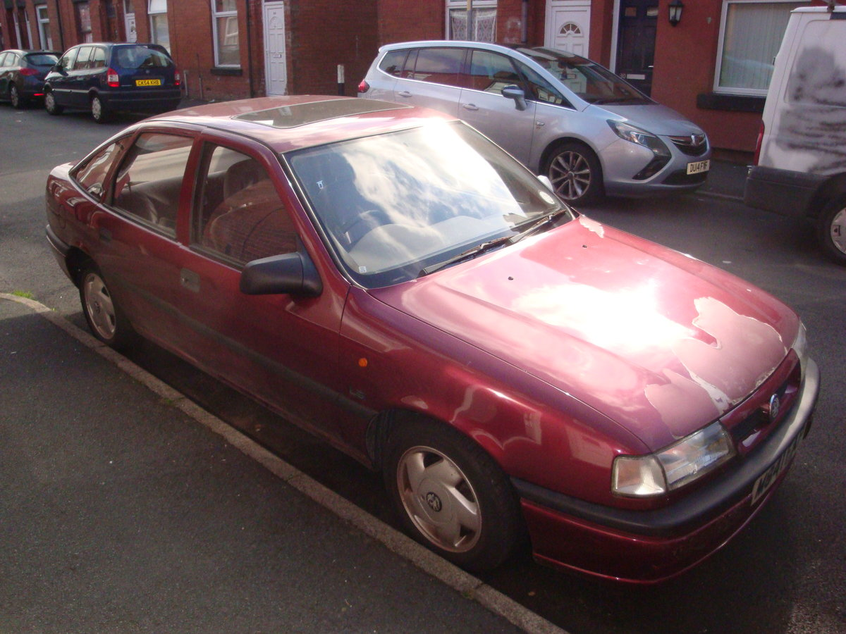 1995 Vauxhall Cavalier 1.8LSi Automatic Hatchback For Sale (picture 1 of 3)