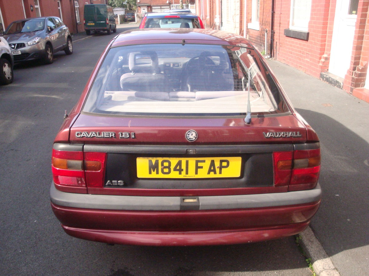 1995 Vauxhall Cavalier 1.8LSi Automatic Hatchback For Sale (picture 3 of 3)