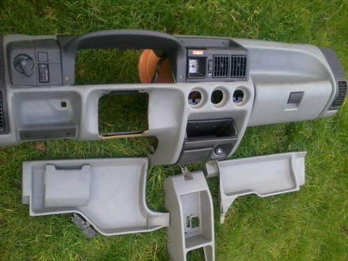 MK2 OPEL CORSA DASHBOARD/ MK2 VAUXHALL NOVA  CLOCK For Sale (picture 2 of 6)