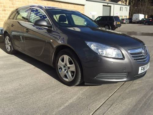 2011 VAUXHALL INSIGNIA 2.0 CDTi Estate - Diesel / Automatic  For Sale (picture 2 of 5)
