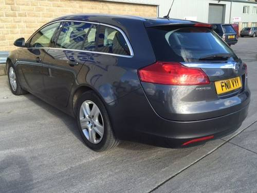 2011 VAUXHALL INSIGNIA 2.0 CDTi Estate - Diesel / Automatic  For Sale (picture 4 of 5)