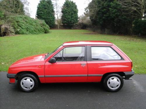 1989 G VAUXHALL NOVA 1.2L , 3 DOOR HATCHBACK,  For Sale (picture 3 of 4)