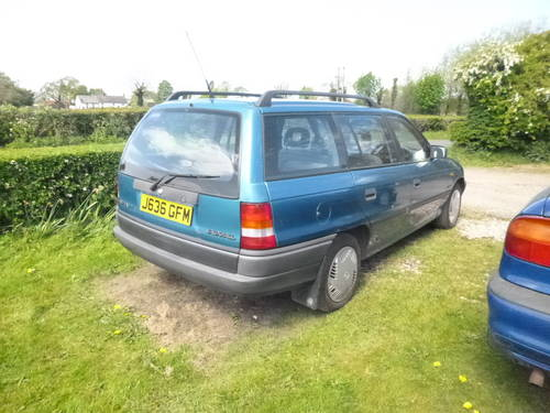1992 Vauxhall astra estate Mk3 clean and tidy  SOLD (picture 5 of 6)
