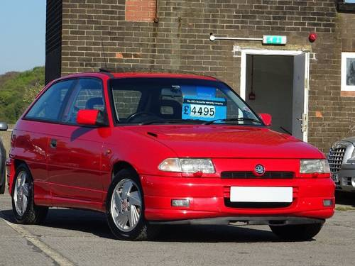 1992 Vauxhall Astra 2.0 i 16v GSi 3dr For Sale (picture 1 of 6)