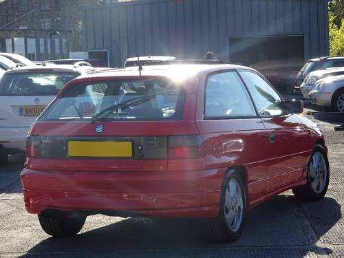 1992 Vauxhall Astra 2.0 i 16v GSi 3dr For Sale (picture 2 of 6)