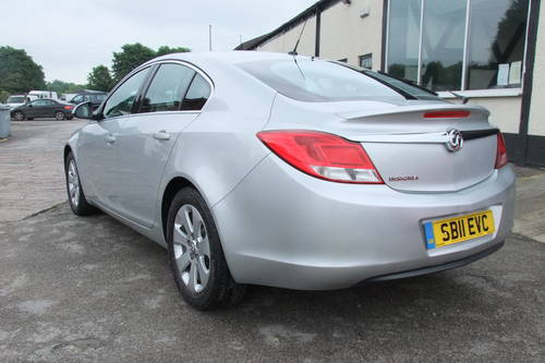 2011 VAUXHALL INSIGNIA 1.8 SRI 5DR Manual SOLD (picture 3 of 6)