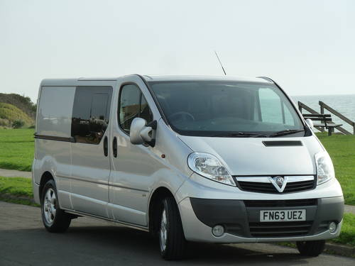 2013 VIVARO 2.0CDTi 115ps LWB SPORTIVE DOUBLE CAB / CREW / KOMBI  For Sale (picture 1 of 6)