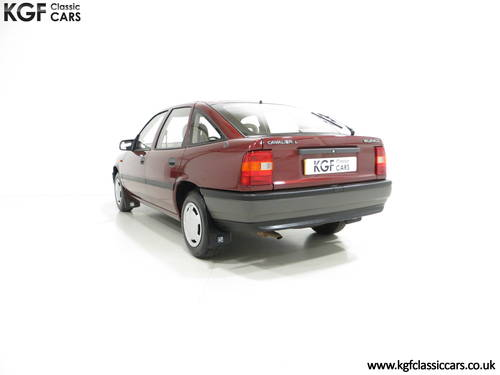 1990 An Outstanding Vauxhall Cavalier Mk3 1.6L with 13,168 Miles  SOLD (picture 4 of 6)
