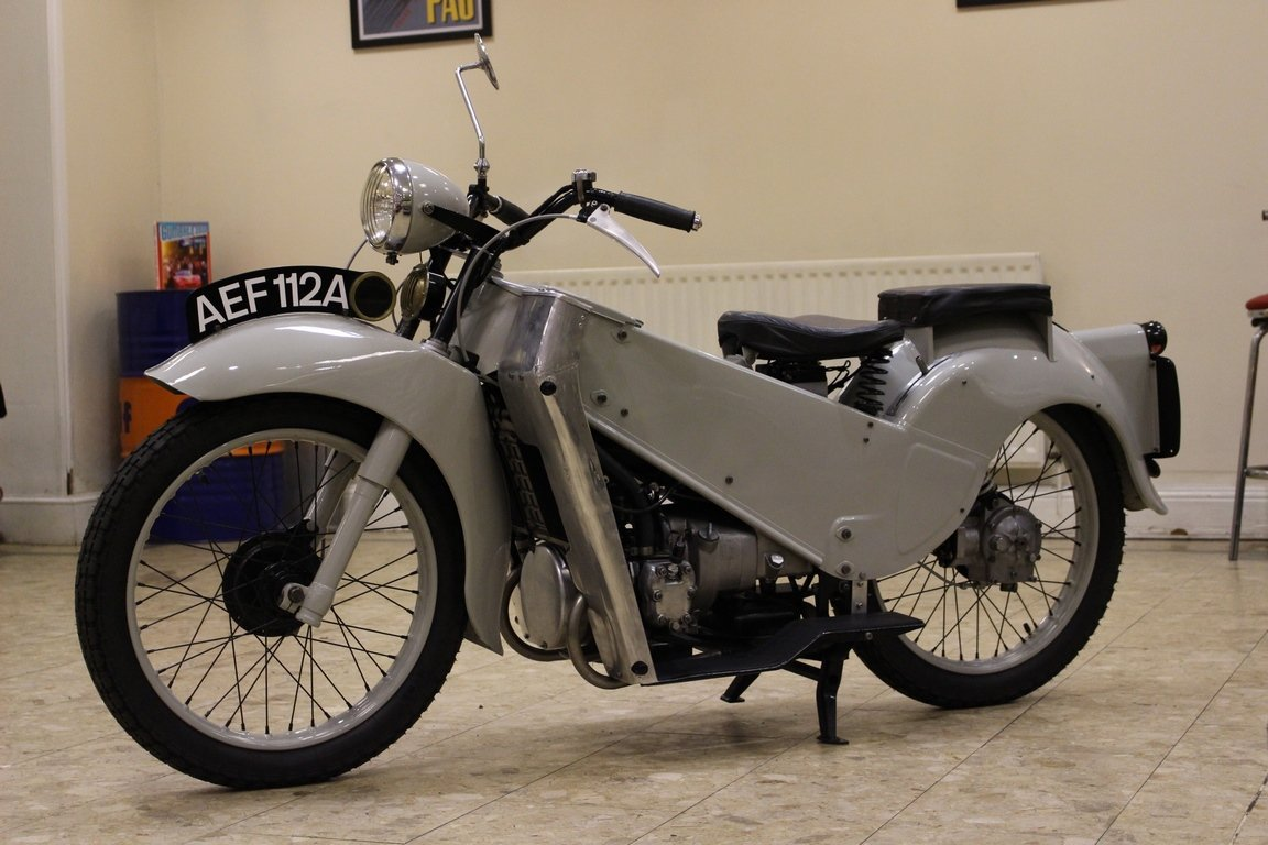 1952 Velocette LE 200 Mk II - Fully Restored | History File  For Sale (picture 3 of 6)