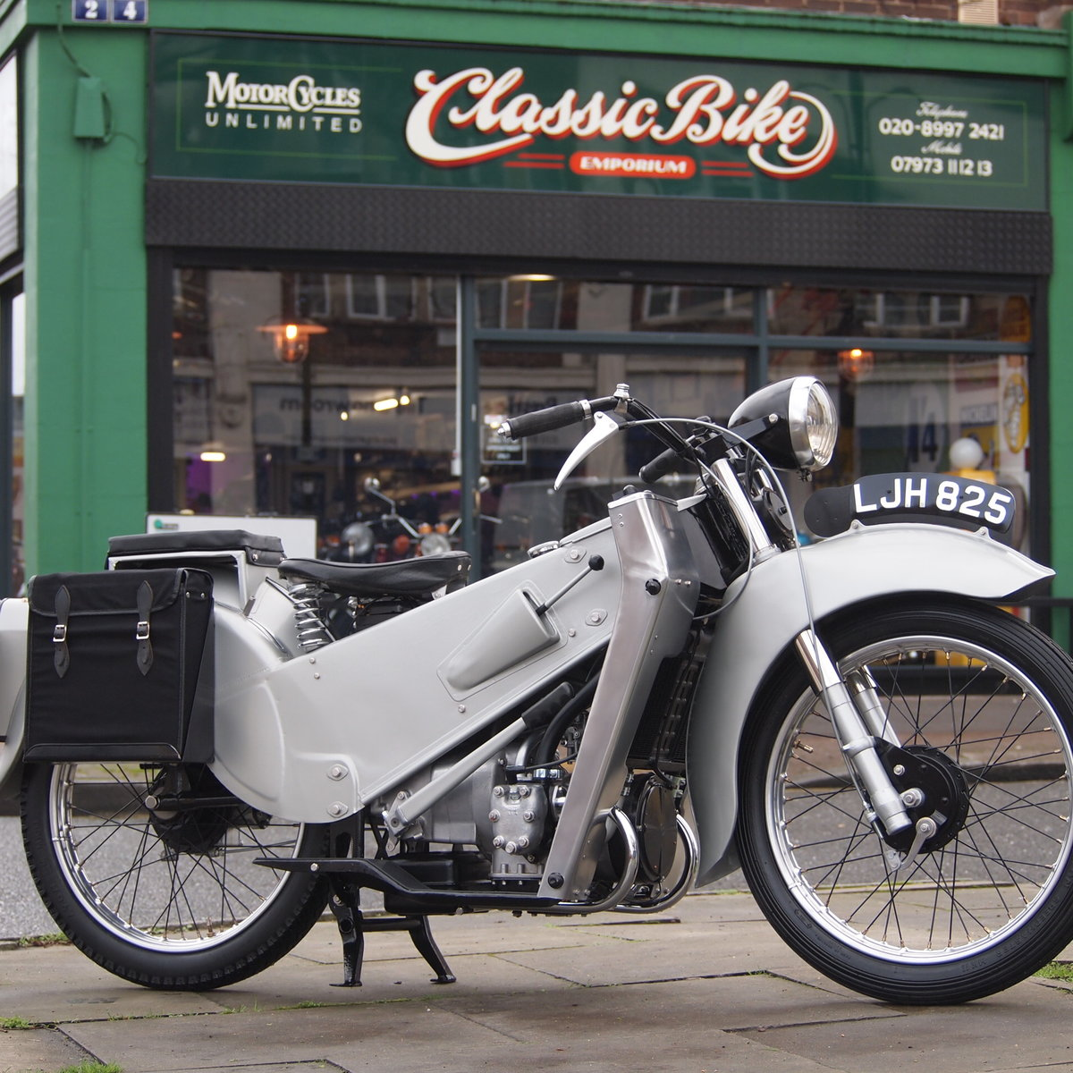 1949 Rare Early Model LE150 Mk1. In Beautiful Condition. For Sale (picture 1 of 6)