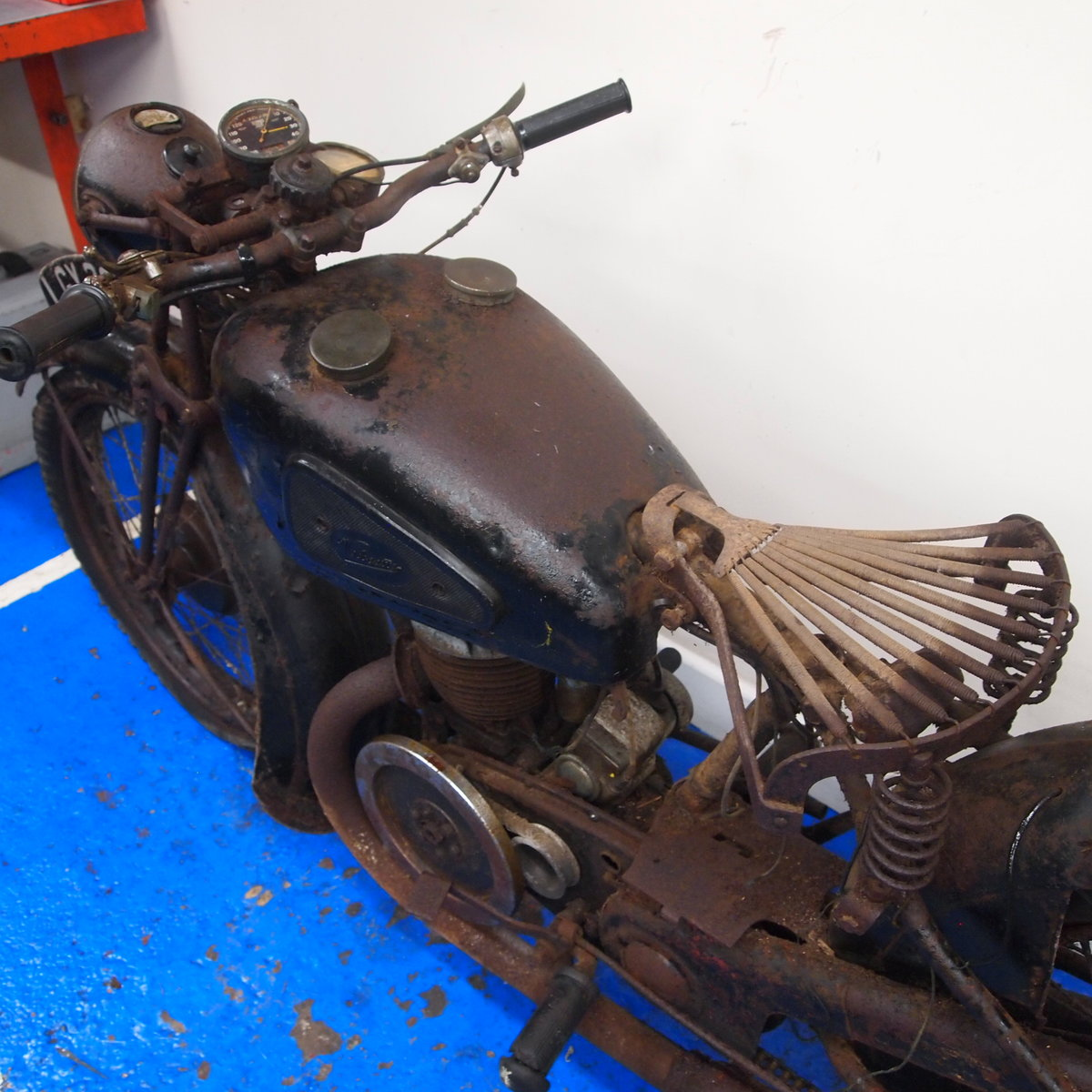 1938 Velocette GTP250 Rare Magneto Model, With Buff Logbook. SOLD (picture 3 of 6)