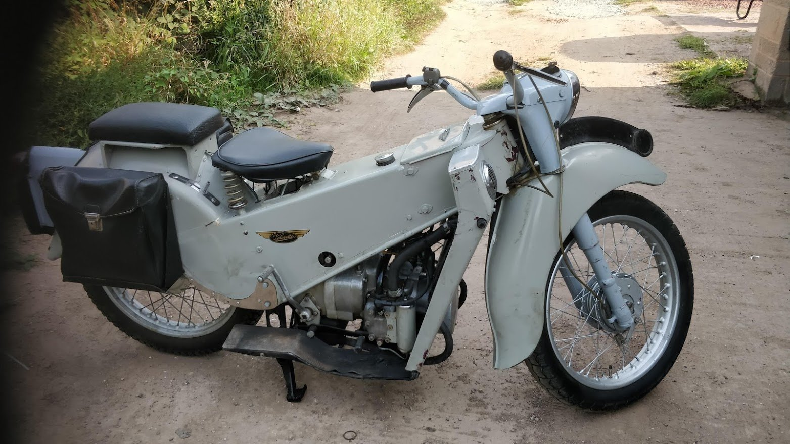 1962 Velocette LE. 200cc One owner. Ready to ride SOLD (picture 1 of 6)