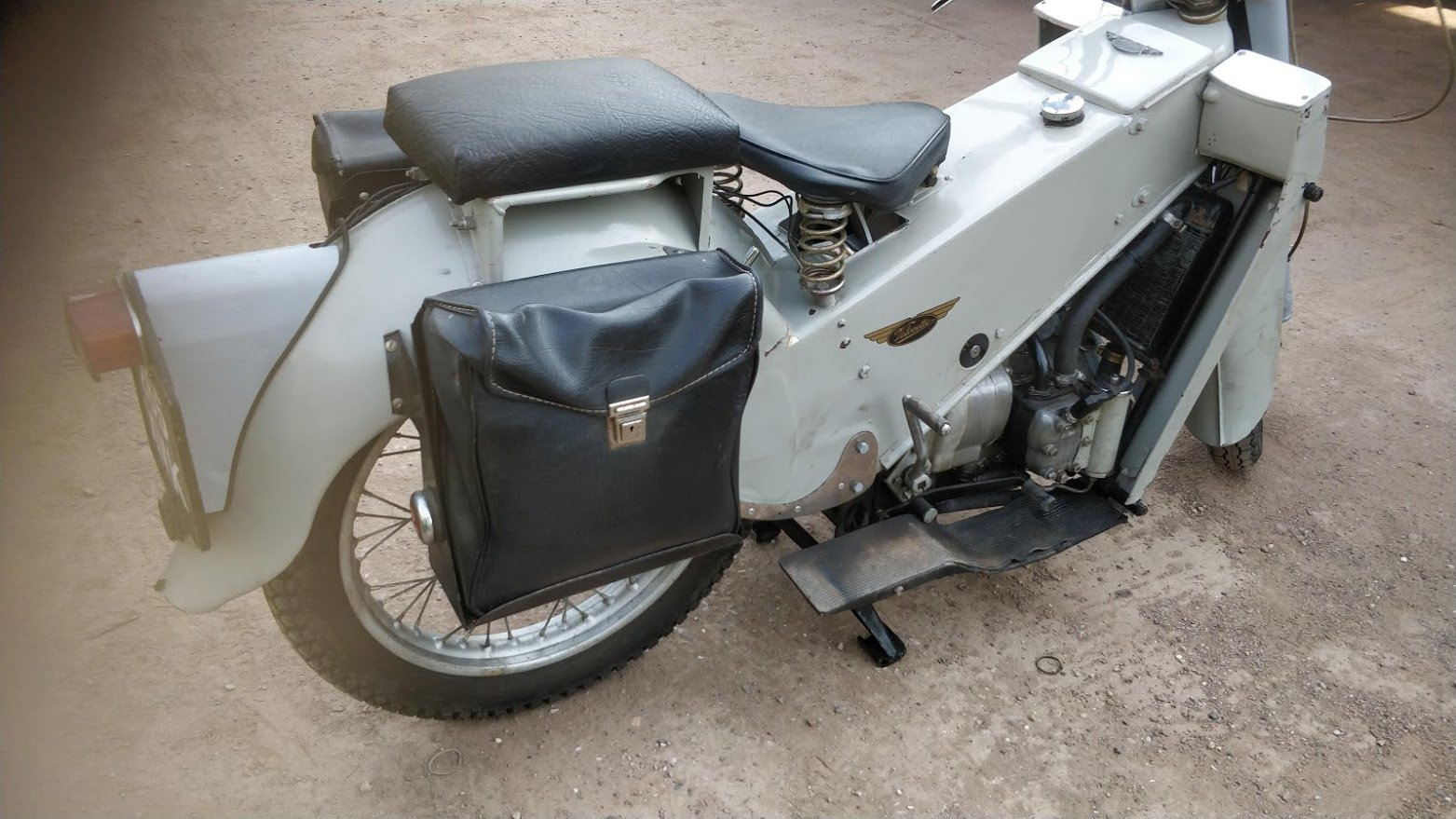 1962 Velocette LE. 200cc One owner. Ready to ride SOLD (picture 2 of 6)