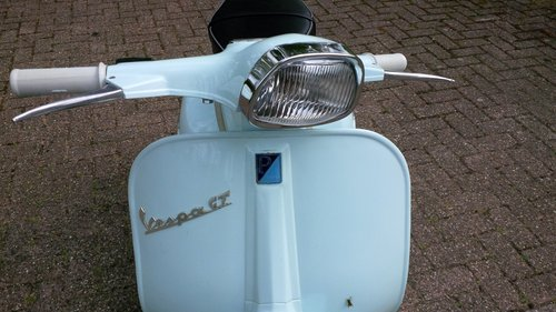 1967 Vespa Scooter Gran Turismo GT, price 4450 eur ex holland For Sale (picture 1 of 6)