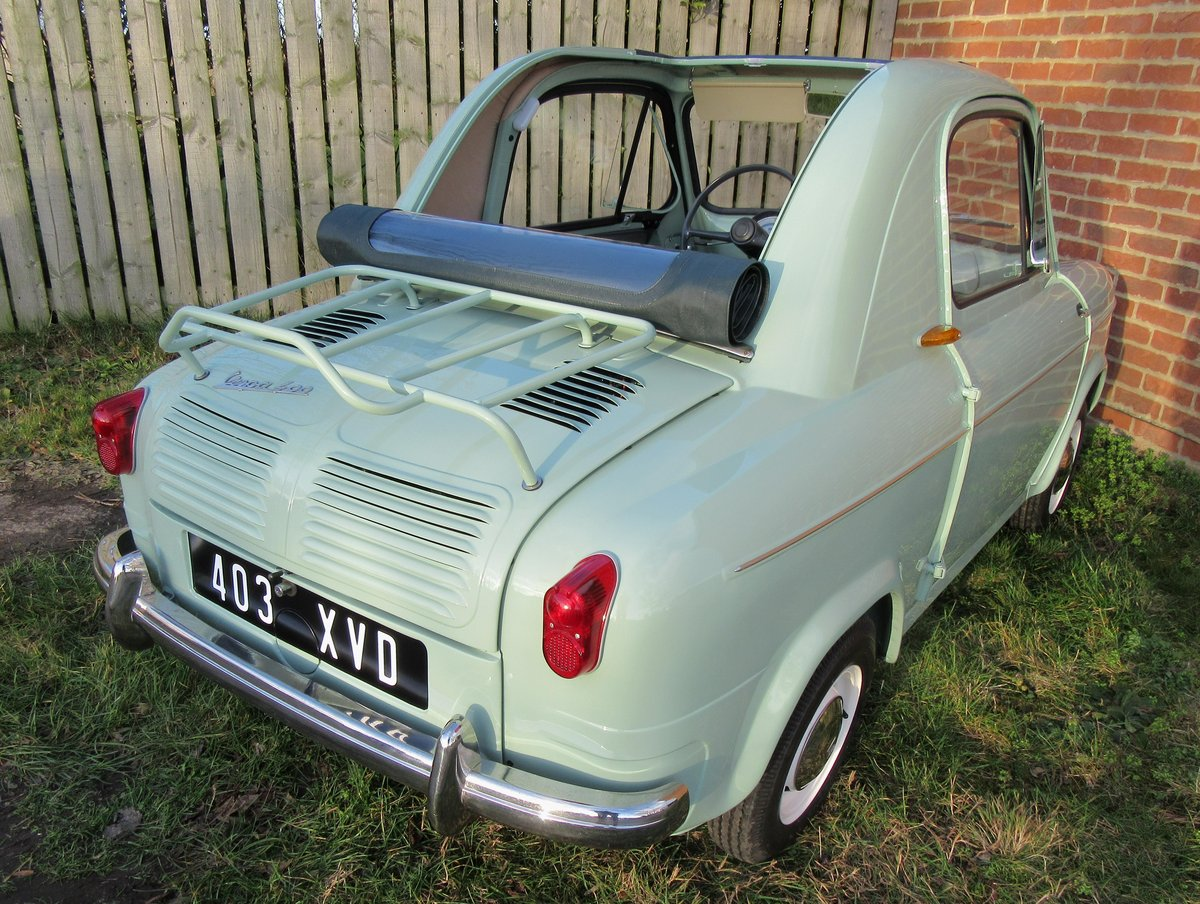 Concours 1959 Vespa 400 microcar PRICE REDUCED! For Sale (picture 3 of 6)