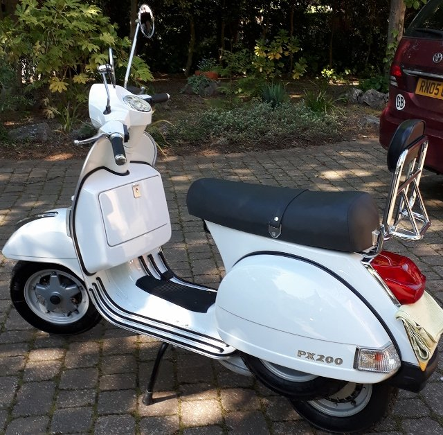 2002 superb low mileage vespa px 200 disc sold car and classic. Black Bedroom Furniture Sets. Home Design Ideas