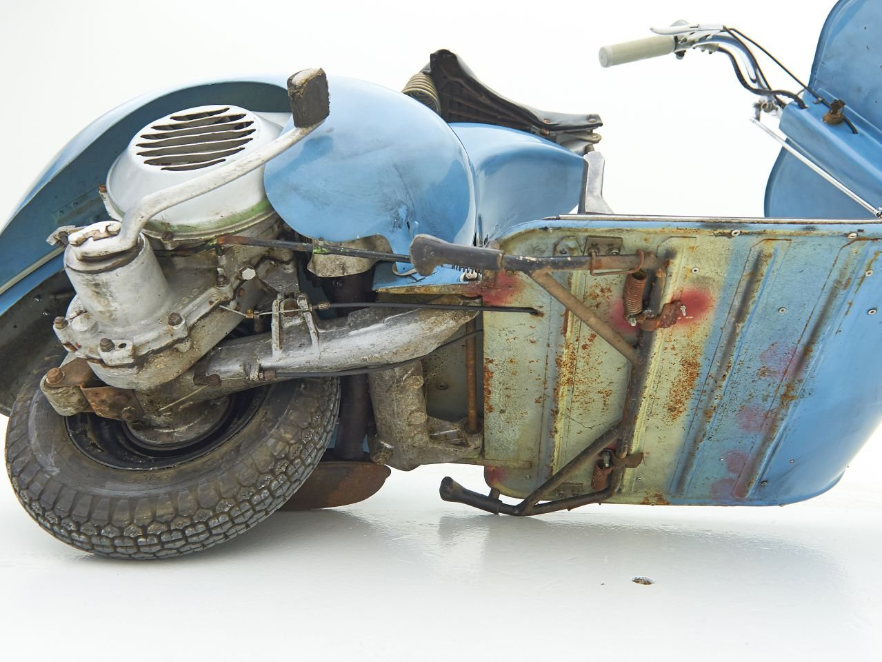 1948 VESPA V14 FARO BASSO For Sale by Auction (picture 6 of 6)