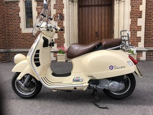 2009 Vespa GTV125 - Retro Limited Edition