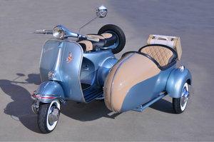 Piaggio Vespa 150 VBB Sidecar