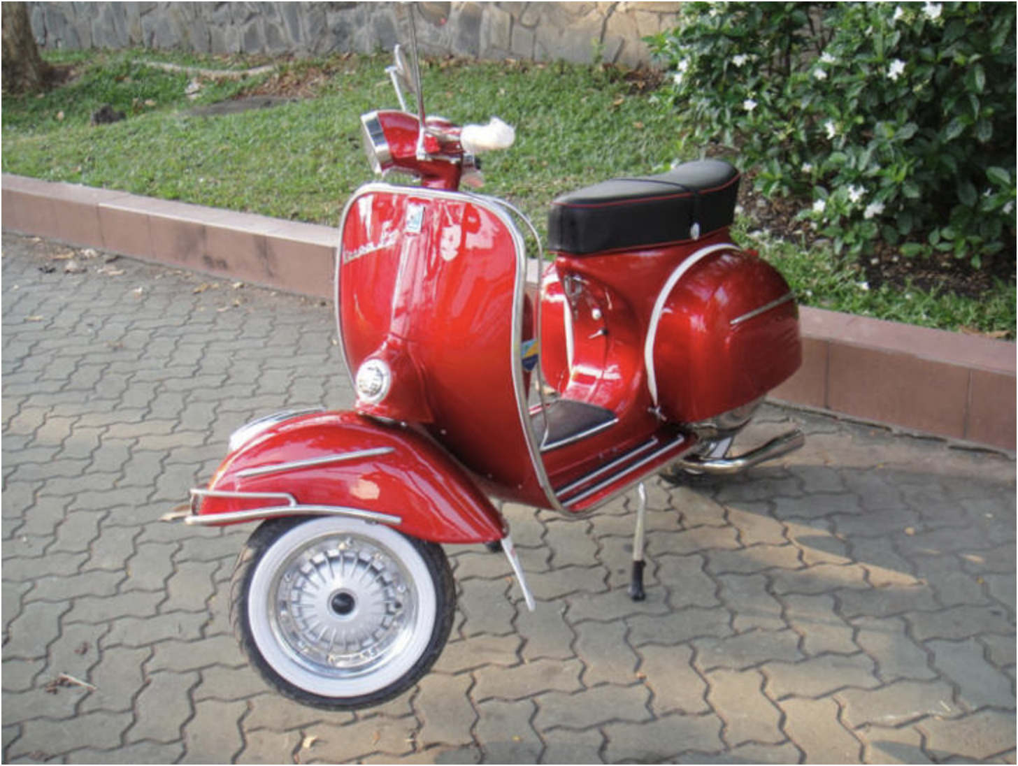 1967 Vespa SS180 - Red - FULLY Restored For Sale (picture 2 of 6)