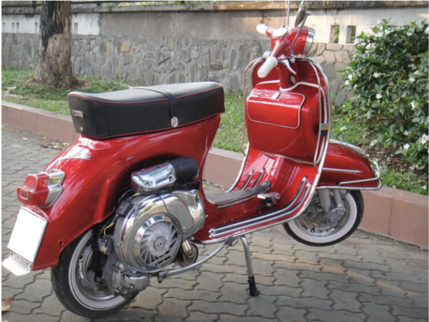 1967 Vespa SS180 - Red - FULLY Restored For Sale (picture 5 of 6)