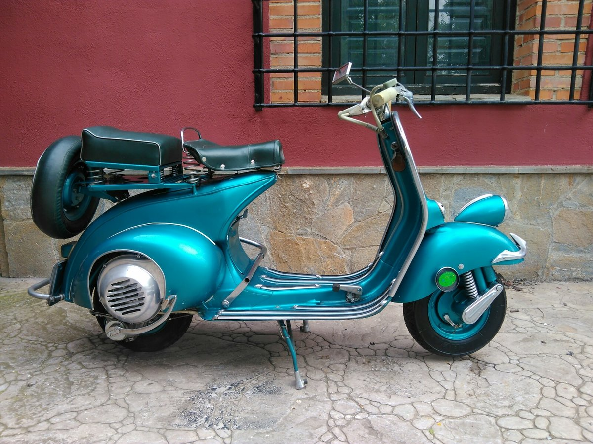 1954 vespa SOLD (picture 1 of 6)