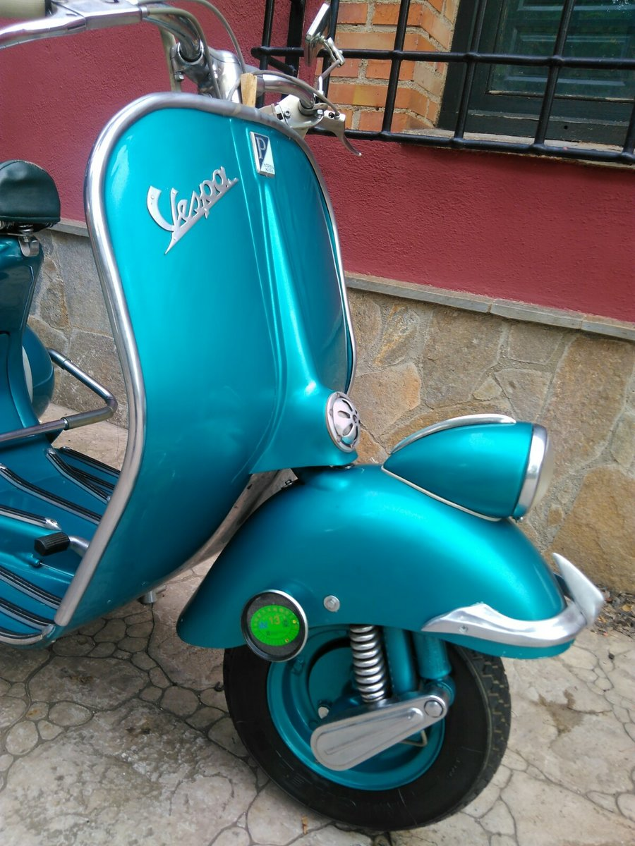 1954 vespa SOLD (picture 4 of 6)