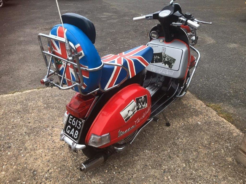 RARE VESPA  MOD 125 Sport 1988 Signed by Paul Weller For Sale (picture 4 of 6)