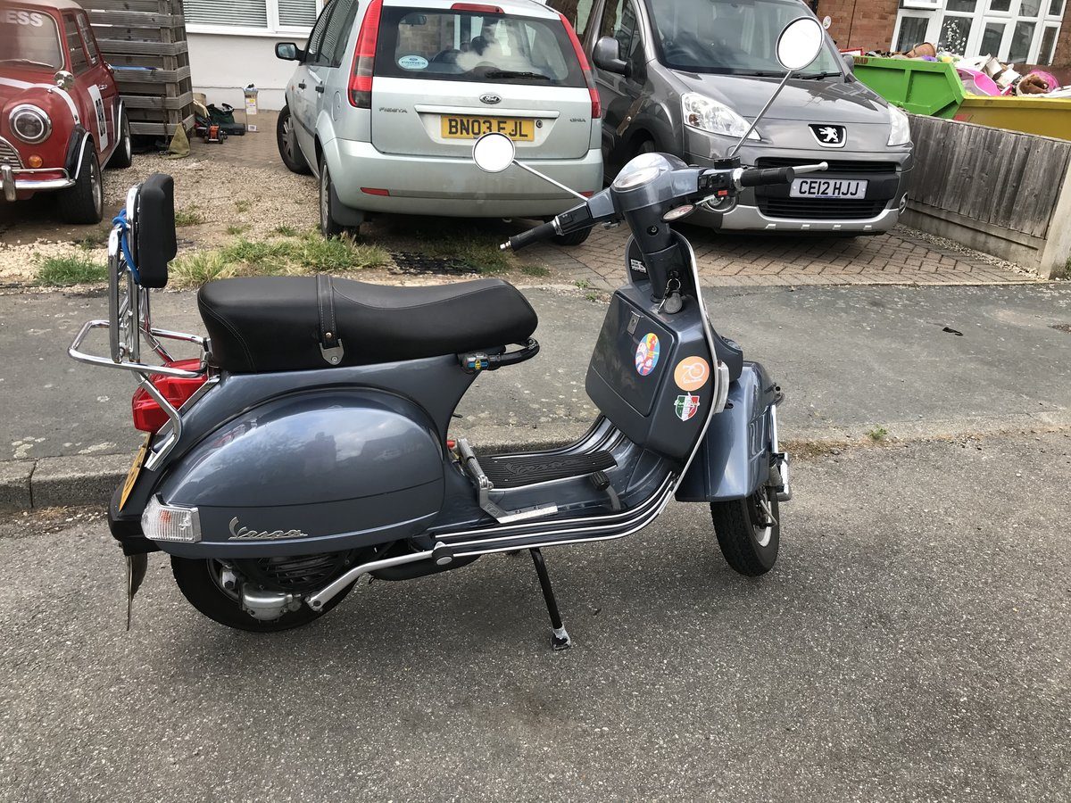 2013 Classic Vespa 150PX with accessories.  For Sale (picture 2 of 6)
