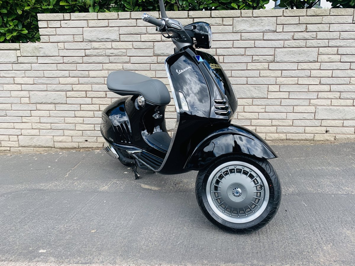 2016 Vespa 946 Ricardo 374 miles 1-owner For Sale (picture 2 of 6)