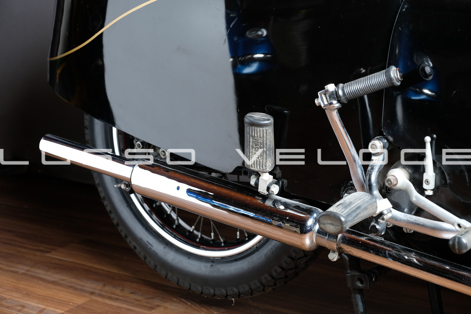 1955 Vincent Black Knight Twin Ex Peter Darvill For Sale (picture 5 of 6)