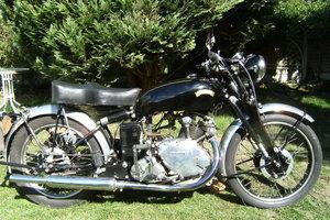 Picture of 1950 Vincent comet model.