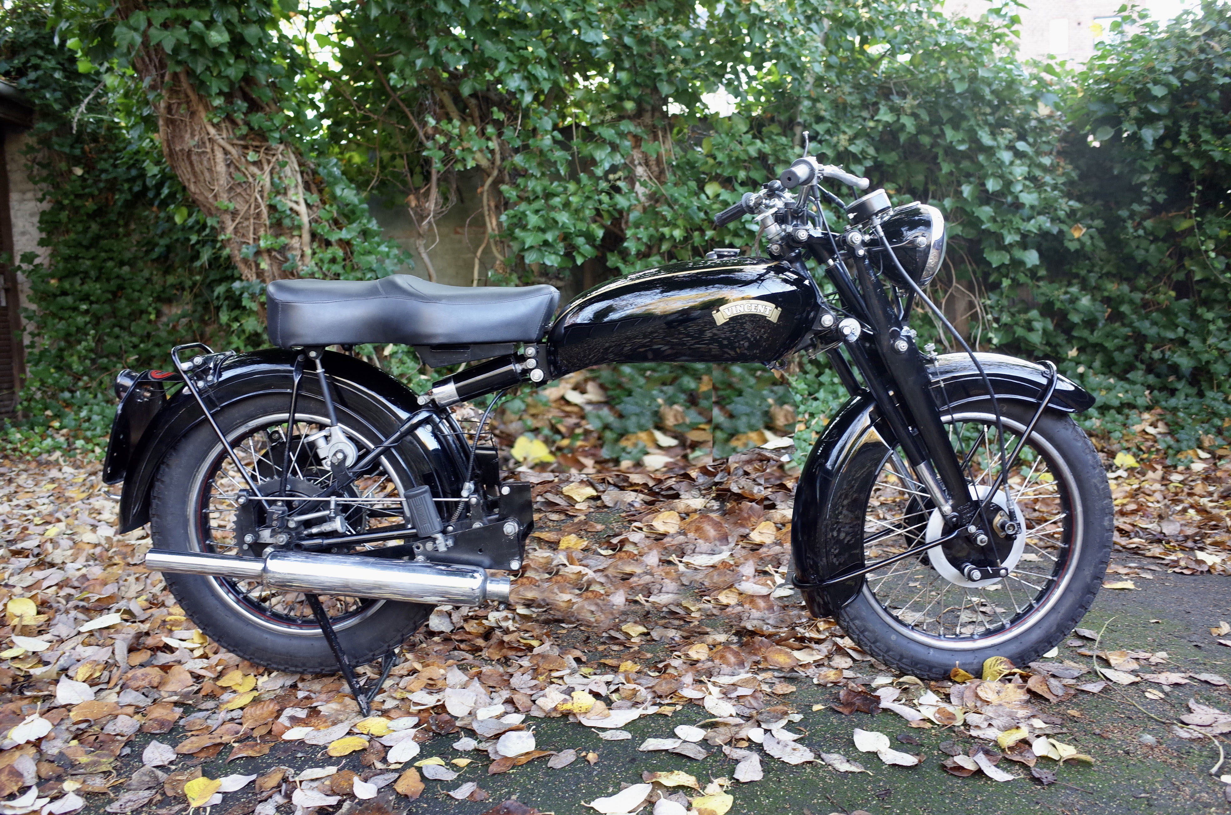 Picture of 1951 Vincent rapide rolling chassis. Matching numbers For Sale