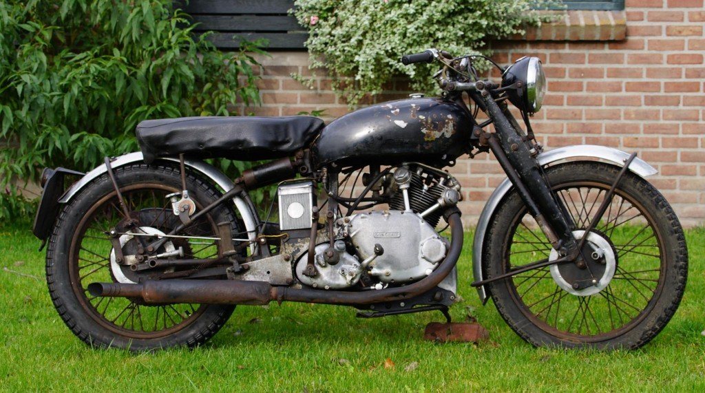 1949 Vincent Comet in patina condition with danisch registration For Sale (picture 1 of 2)