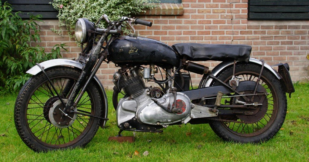 1949 Vincent Comet in patina condition with danisch registration For Sale (picture 2 of 2)