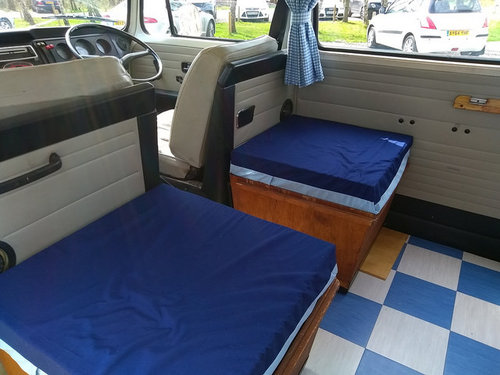 VW T2 1972 Campervan Danbury For Sale (picture 4 of 6)