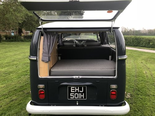 1970 Volkswagen T2 early bay window For Sale (picture 2 of 6)