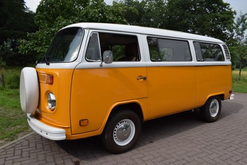 1976 VW BUS, Volkswagen Bus, Bulli, Schiebendach, Sunroof For Sale (picture 1 of 6)