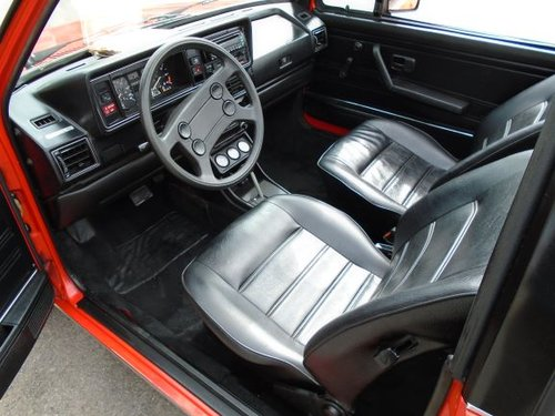 VOLKSWAGEN GOLF MK1 1.7 INJ LHD AUTO CONVERTIBLE(1982) 78K! SOLD (picture 3 of 6)